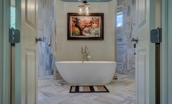 Na co zwracać uwagę wybierając płytki do łazienki?