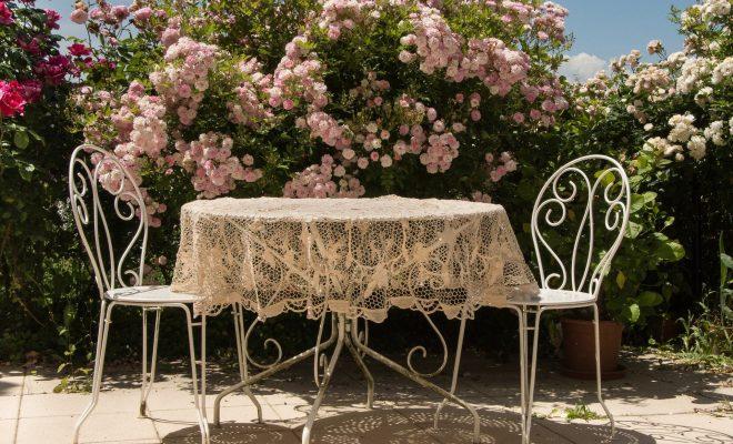 Jak dbać o meble do ogrodu?